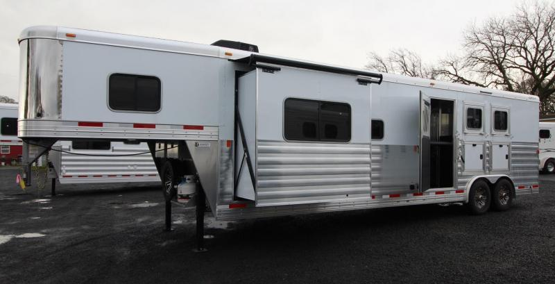 2019 Exiss Endeavor 8314 Living Quarters w/ Slide 3 Horse - Easy Care Flooring - Aluminum Trailer - Couch AND Dinette PRICE REDUCED $6000