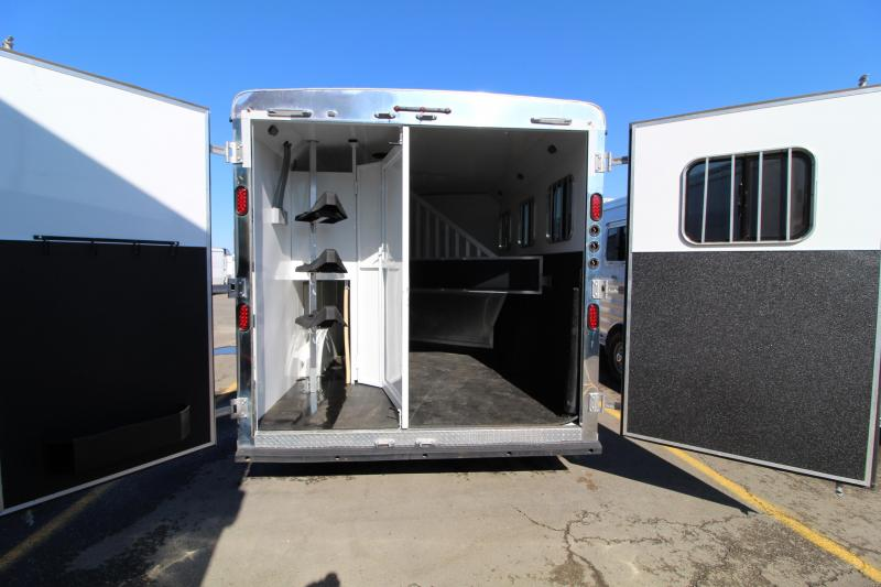 2016 Ranger Horse Trailer 8'Wx10'SW with Slide. EXCELLENT CONDITION! Slide Out -Lined and Insulated Horse Area-Dinette