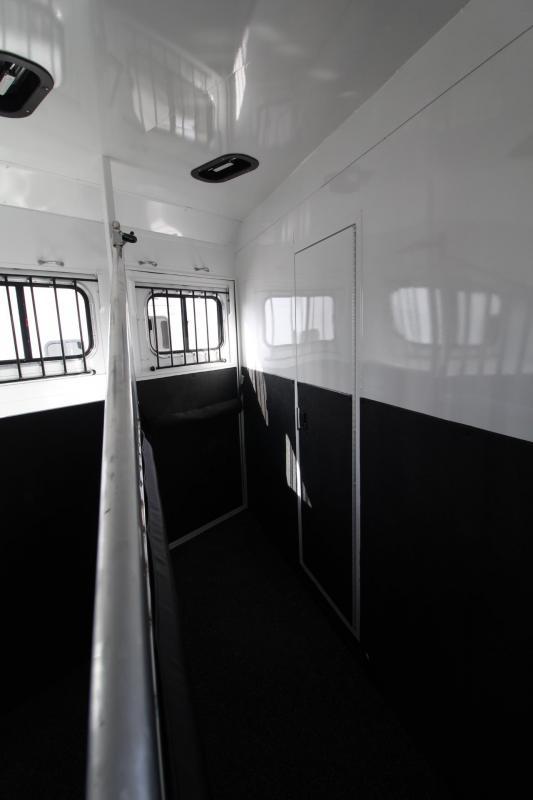 2021 Trails West SIERRA LQ 4 HORSE TRAILER 15x19 SLIDE OUT - SIDE LOAD RT