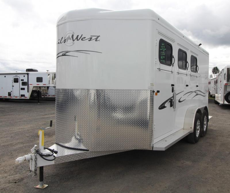 "2019 Trails West Classic 3 Horse Trailer PRICE REDUCED $1000- Escape Door  - Lined and Insulated Roof - 7'6"" Tall"