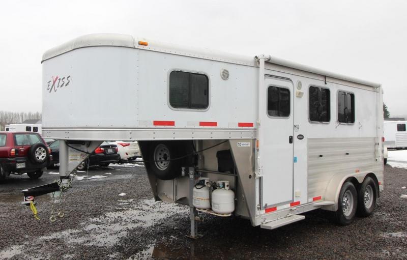 2014 Exiss 7204 2 HORSE TRAILER - LIVING QUARTERS - 4' SW