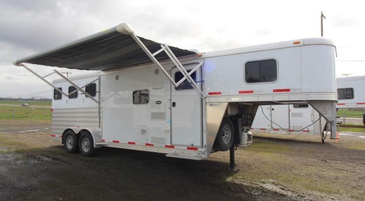 Used 2014 Exiss 3 Horse- 6' Short Wall LQ-Dinette-All Aluminum