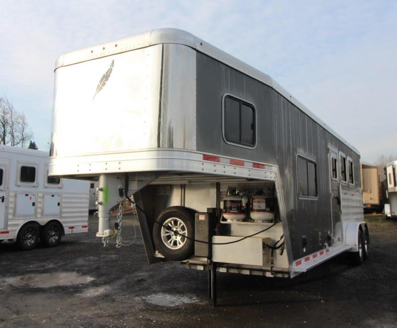 2020 Featherlite 7841 Liberty SE 8' Short Wall 7' Wide Living Quarters w/ Dinette 3 Horse Trailer PRICE REDUCED