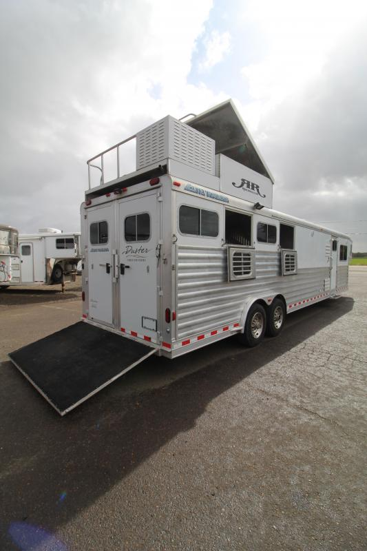 2009 Elite 15' SW Duster Conversions-4 Horse Trailer-Generator-Hay Pod-Ramp-2 Couches Horse Trailer
