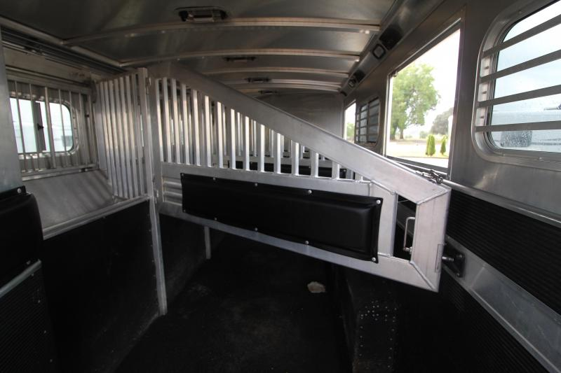 PRICE REDUCED 2009 Elite 15 SW Duster Conversions 4 Horse Trailer Generator Hay Pod Ramp 2 Couches Horse Trailer