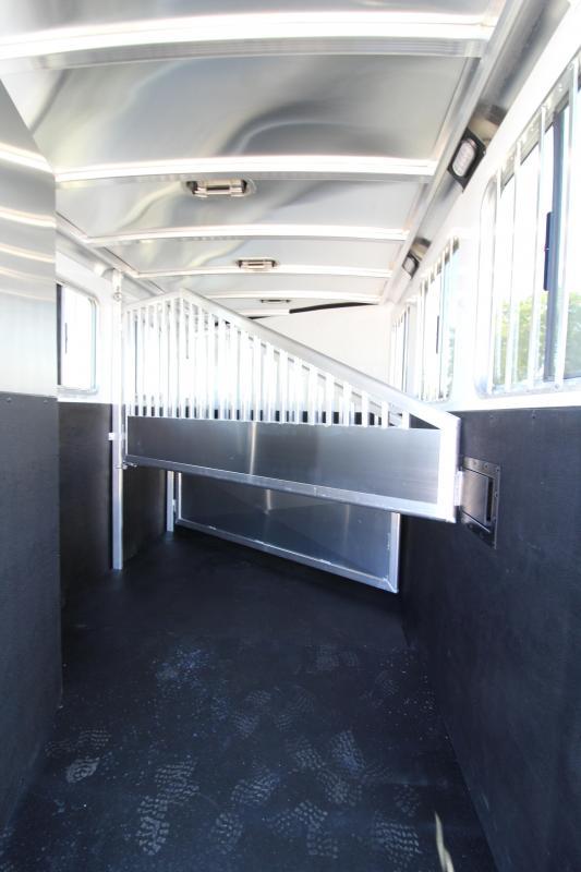 2020 Exiss 730 3 Horse Trailer - Drop Down Windows - Escape Door - Roof Vents - 3 Tier Saddle Rack