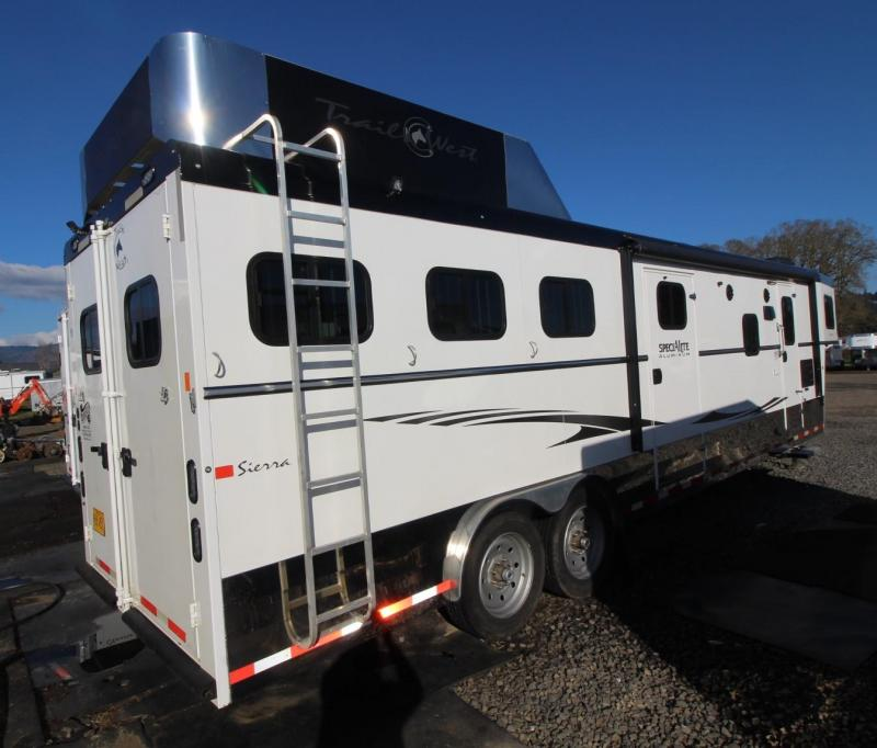 2016 TRAILS WEST SIERRA 13X13 3 HORSE TRAILER LIVING QUARTERS WITH SLIDE OUT - Side Tack