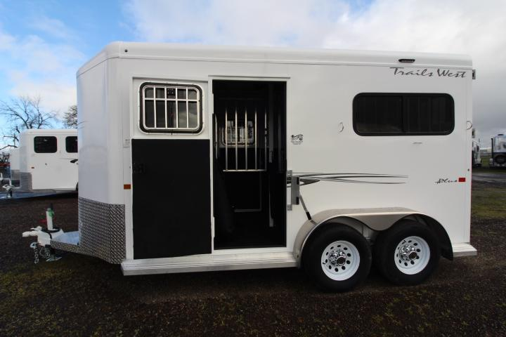 2021 Trails West Royale Plus 2 Horse Straight Load-Dual Escape Doors-Rear Ramp