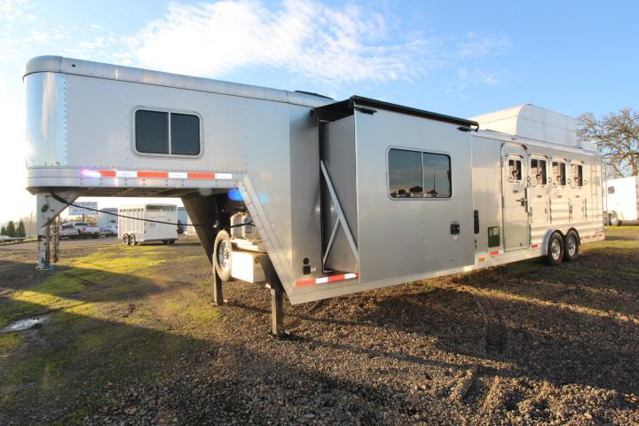 2016 Featherlite 15' SW 4 Horse Trailer-Hay Pod-Rear Ramp-Tons of Storage-Hardwood Interior-Slide Out-Sofa-Gen Prepped