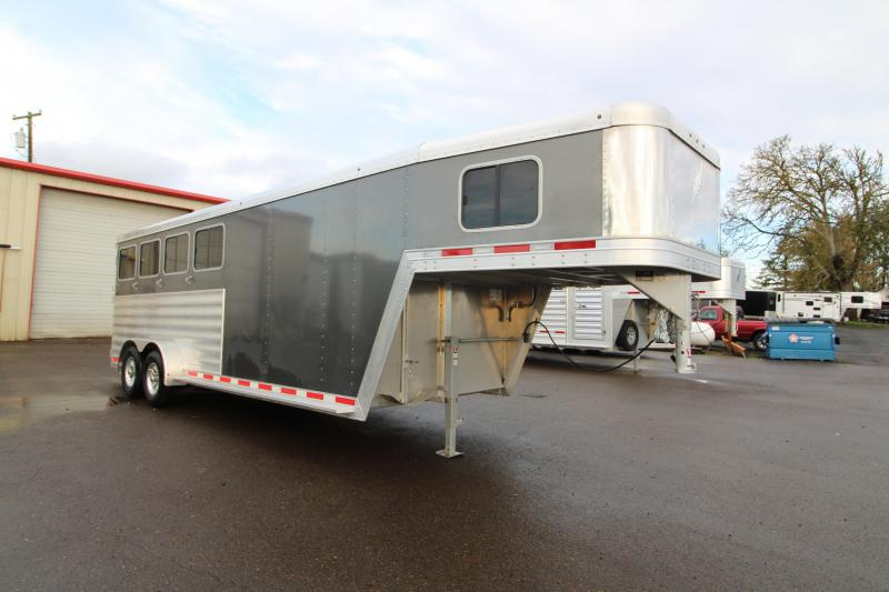 2020 Featherlite 7541 Horse Trailer - PRICED REDUCED $1095