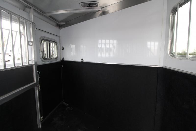 2020 Featherlite 7541 - Legend 4 Horse Trailer Large Dressing Room w/ Rear Tack - Jail Bar Dividers PRICE REDUCED $1095