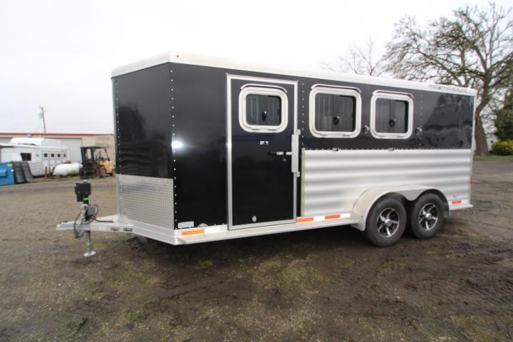 Lightly Used 2016 Featherlite 3 Horse BP-INSULATED TACK ROOM-Swing Out-Rear Tack-Insulated Horse Compartment