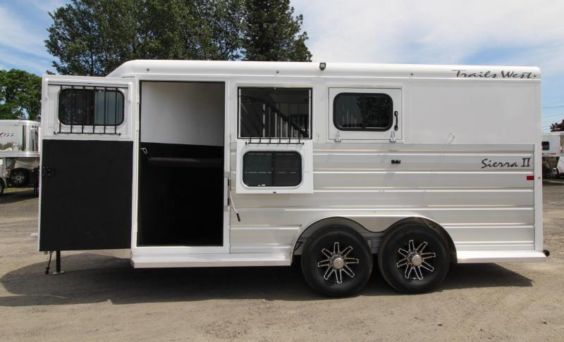 2020 Trails West Sierra II 3 Horse Trailer - Insulated Horse Area - Escape Door - Extruded Aluminum Exterior