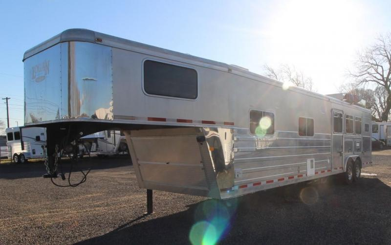 "2007 Logan Coach XTR 3 HORSE TRAILER 14'6"" SW LIVING QUARTERS"