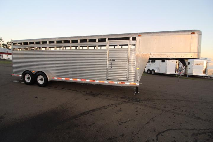 2001 Charmac Trailers 24' Livestock Trailer-Center Gate-Calf Gate-Slider in Rear Gate