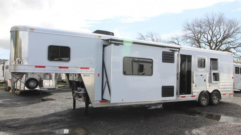 2019 Exiss Endeavor 8312 Horse Trailer W/ Slide - Easy Care Flooring - PRICE REDUCED $5300