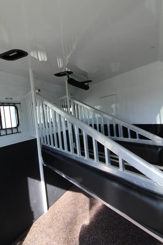 2021 Trails West SIERRA LQ 3 HORSE TRAILER 11x15 SLIDE OUT-FOLDING REAR TACK