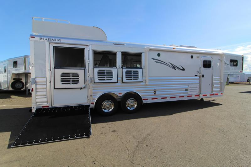2021 Platinum 3H Side Load-10' SW Outlaw LQ-Couch on Drop Wall-Hay Rack-Stunning Interior-PRICE REDUCED