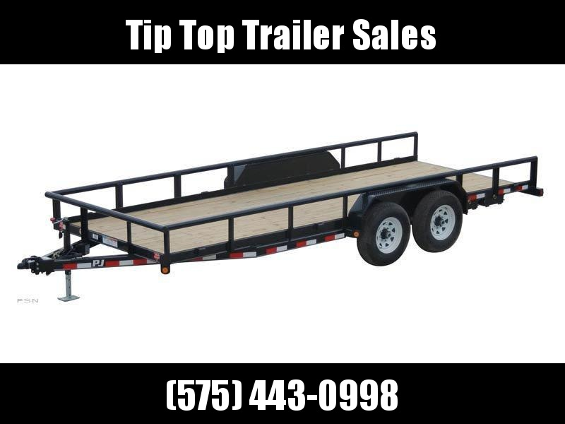 2021 PJ Trailers Angle Pipetop (P8) Car / Racing Trailer