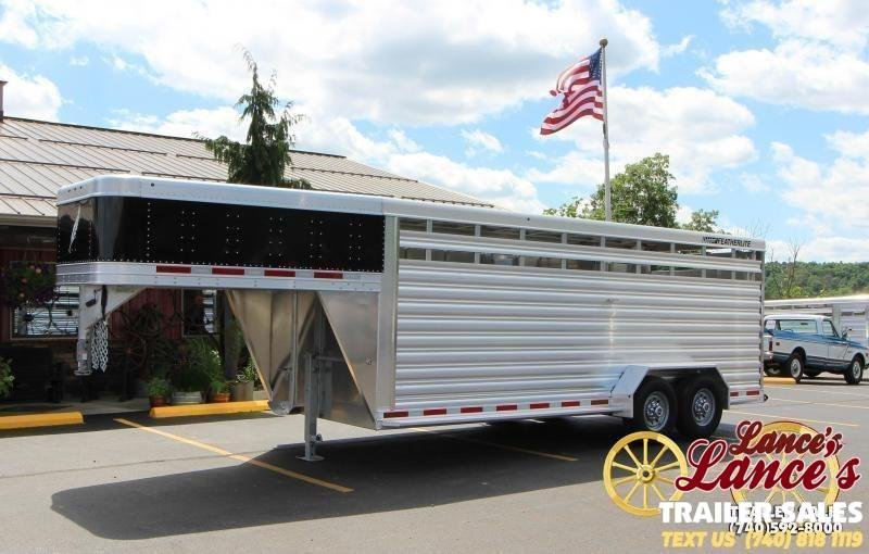 2020 Featherlite  20' Livestock Trailer