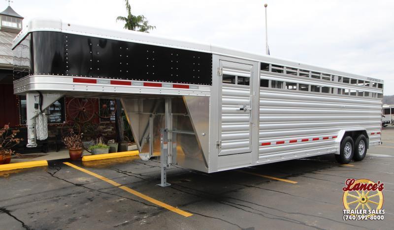 2021 Featherlite 24' (8'W) Show Cattle Livestock Trailer