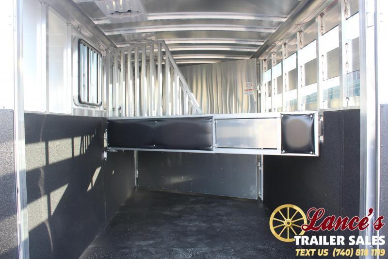2021 Sundowner 3 Horse Slant Load Horse Trailer