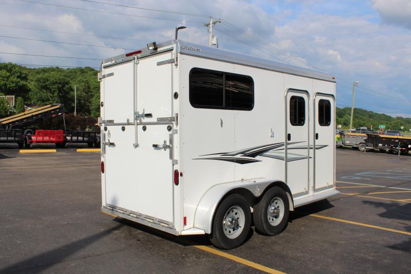 2017 Adam 2 Horse Straight Load Horse Trailer