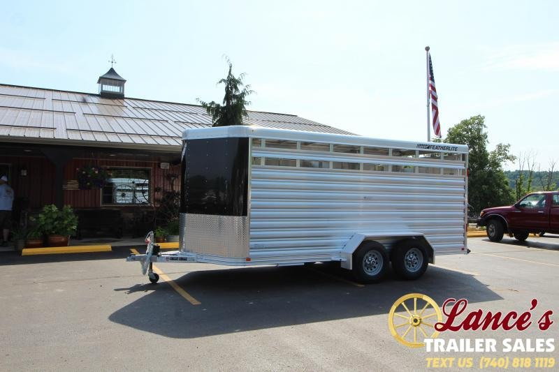 2021 Featherlite 16' Livestock Trailer