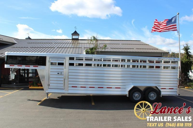 2021 Featherlite 24' (7'W) Show Cattle Livestock Trailer