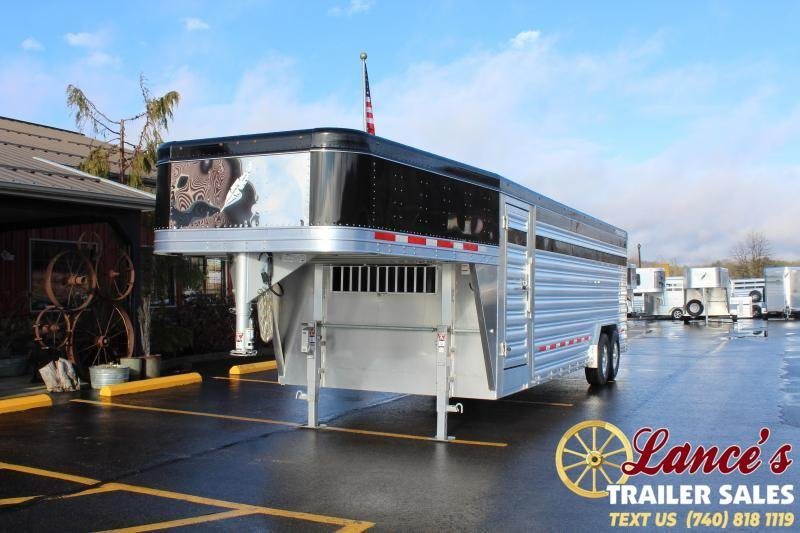 2021 Featherlite 24' Presidential Show Cattle Livestock Trailer