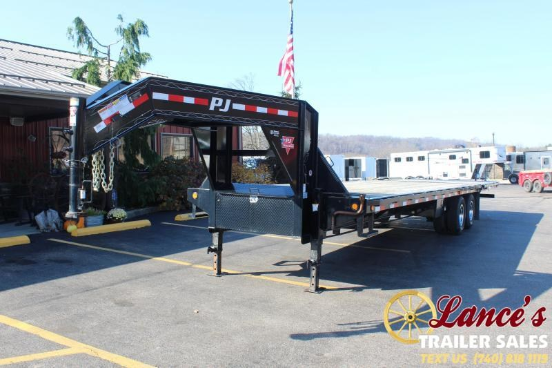 2019 PJ Trailers 32' Equipment Trailer