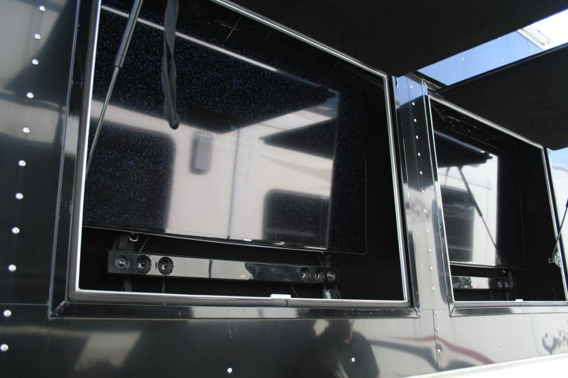2015 Platinum Coach Toy Hauler Horse Trailer