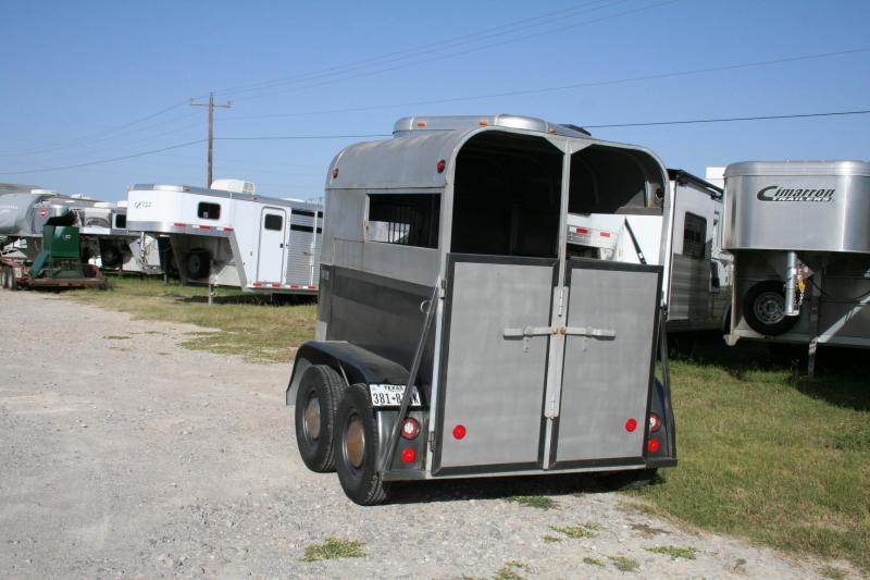 1977 W-W Trailer 2 horse straight load Horse Trailer