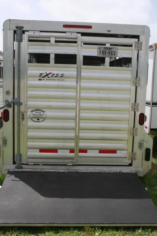 2013 Exiss Trailers Stock./horse trailer Horse Trailer