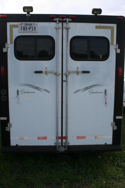 2002 Sundowner Trailers SUNLITE Horse Trailer