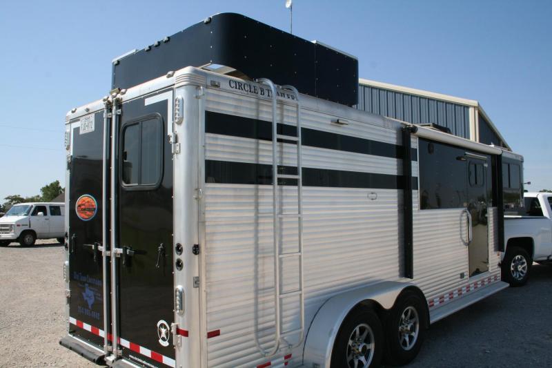 2015 Sundowner Trailers super sport Horse Trailer