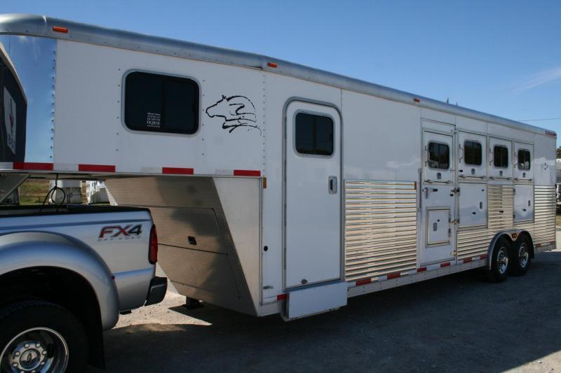 2009 Sooner 8408 Horse Trailer