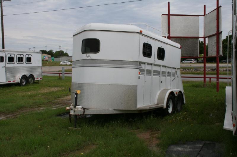 1996 Logan Coach Competitor Horse Trailer