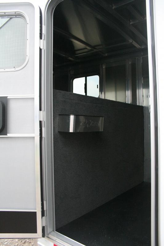 2019 Exiss Trailers 7300 GN Horse Trailer