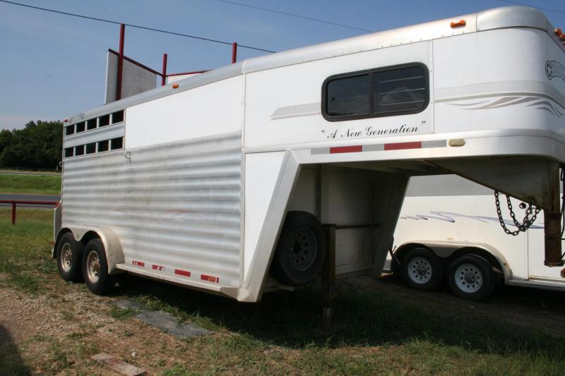 2001 Bloomer new generation Horse Trailer