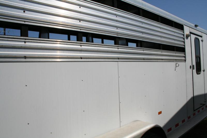 2004 Sundowner Trailers Sunlite Stampede SL Horse Trailer