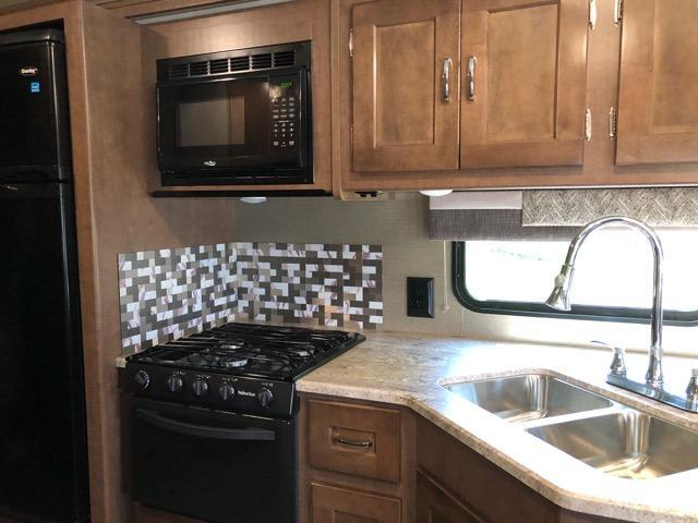 2019 Winnebago Intent 29L Class A RV