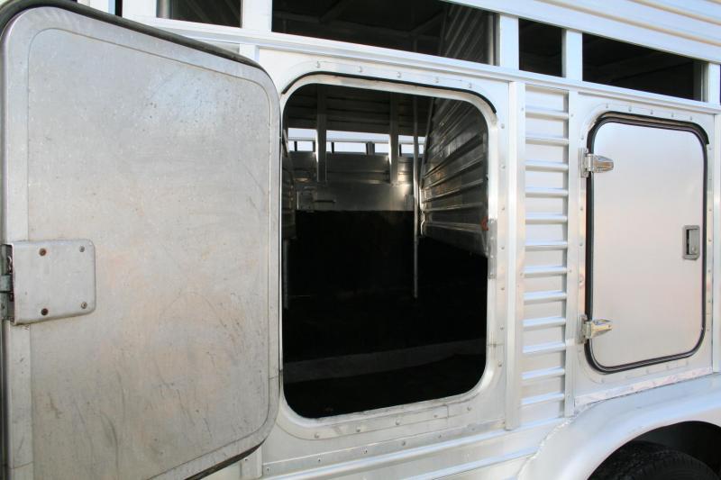 1988 Featherlite stock/horse Horse Trailer