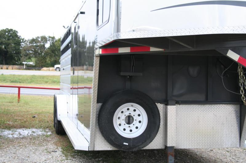 2018 Trails West Santa Fe Horse Trailer