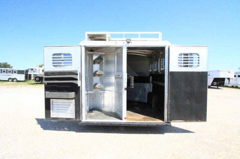 2003 C&C 3H 10' SW LQ Horse Trailer