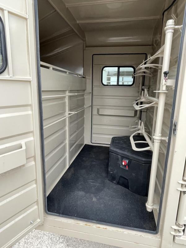 2020 Swift Built 32' Stock Combo - 4' Tack Room