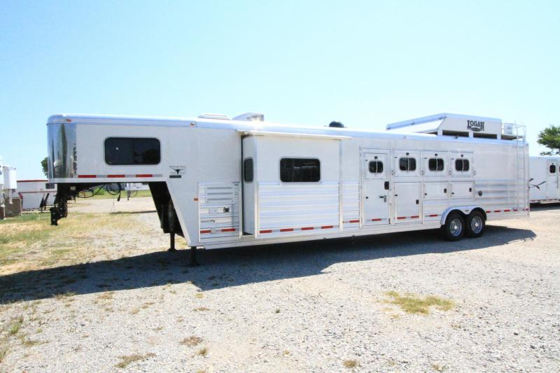 2015 Logan Coach 4H 12'SW Slide Out Horse Trailer