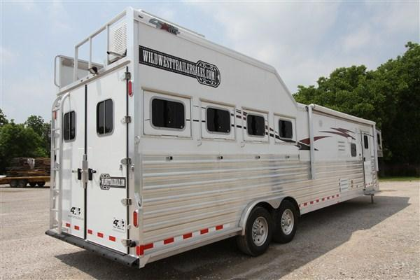 2018 4-Star 4H 16' SW Horse Trailer