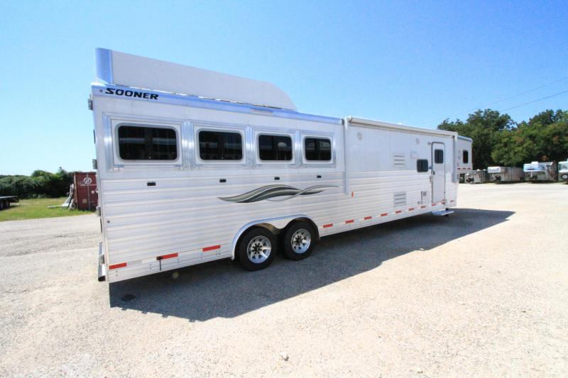 2019 Sooner 4H 15'SW Slide Out Horse Trailer