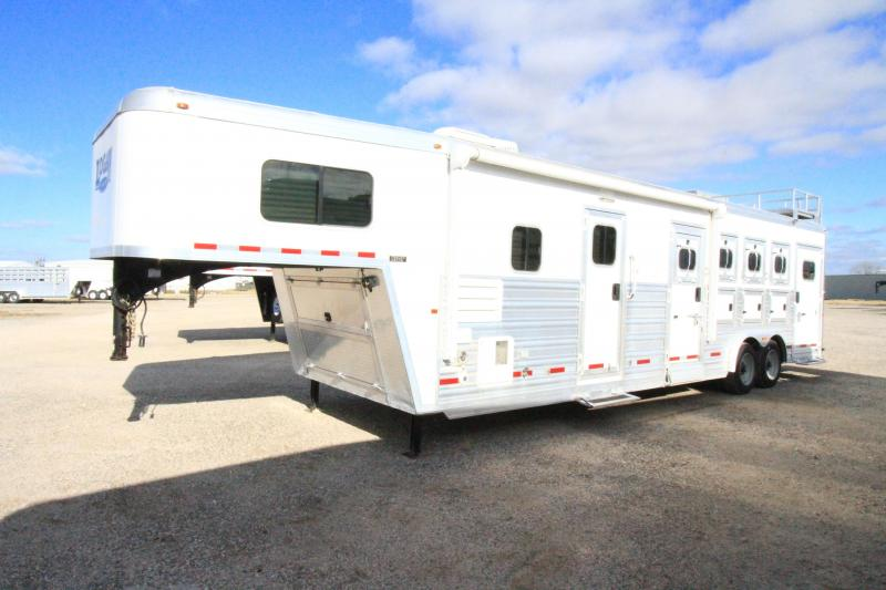 2016 Logan Coach 11'6 SW Horse Trailer - Slide Out